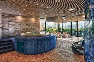 Ihanat naiset Spa-kylpylässä